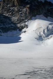 Walkers on La Maije Glacier